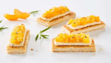 Toasts feuilletés abricot romarin